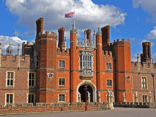 Hampton Court (Half Day)