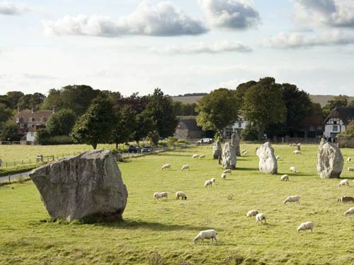 Stonehenge & Avebury<br/>(Full Day)