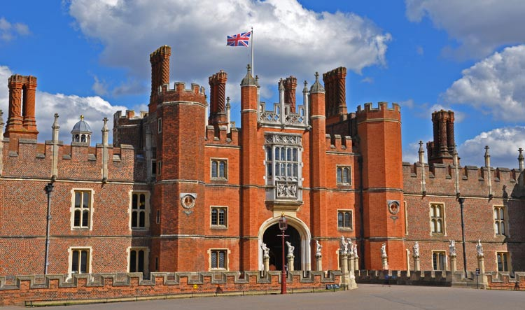 Hampton Court Palace - Main Gate