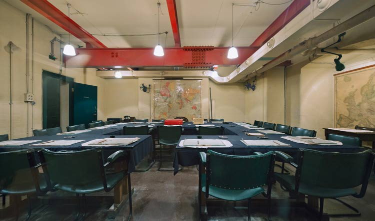 London wwii tour churchill war room westminster private guided tour - Churchill war cabinet rooms ...